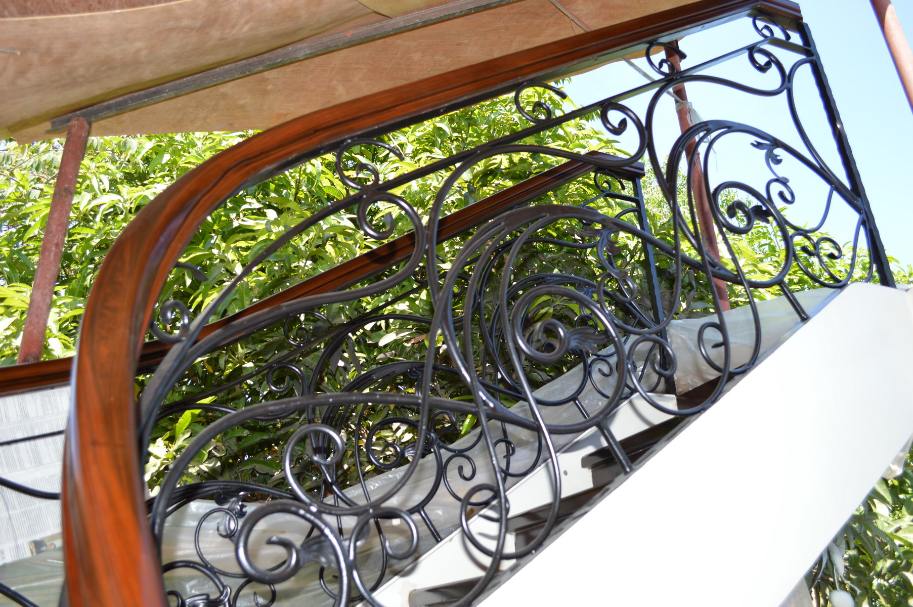 Wrought Iron Winding Staircase Glass Railings